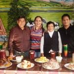 Los administradores de Costumbres Arequipeñas con Miski Takiy y el Barman